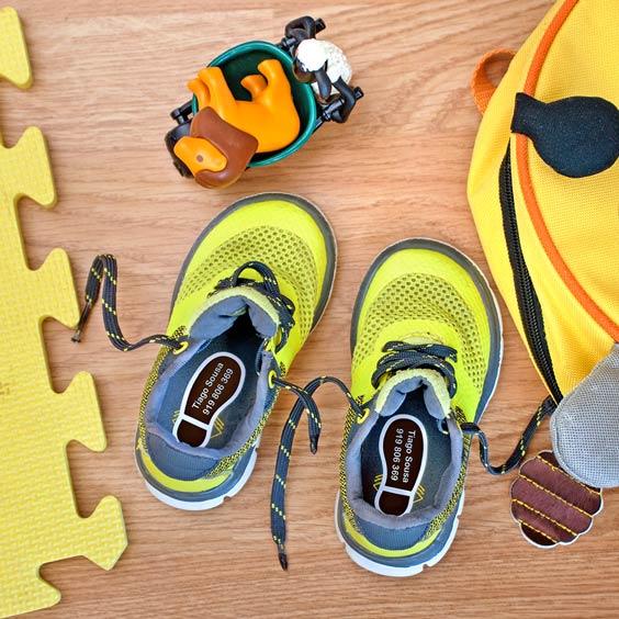 Etiquetas de pegadas para sapato